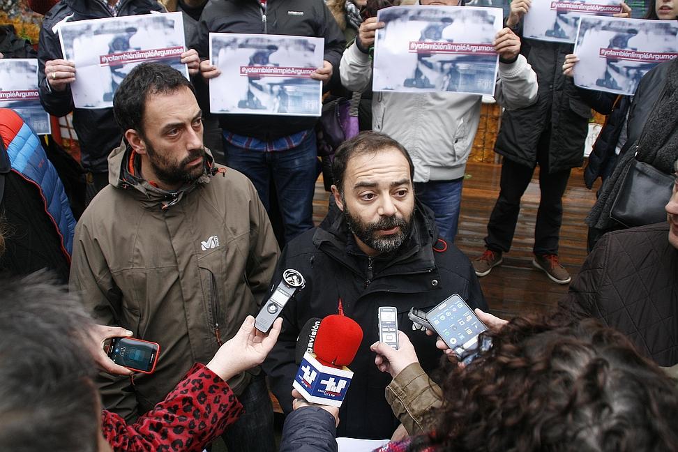 Iván Martínez, condenado por la «usurpación» de Espacio Argumosa / Alejandro Pérez e Iván Martínez, Espacio Argumosa, 10 de enero de 2017-(C) ESTORRELAVEGA
