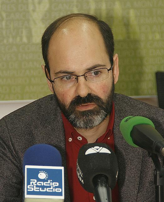 José Luis Urraca Casal (C) Archivo ESTORRELAVEGA