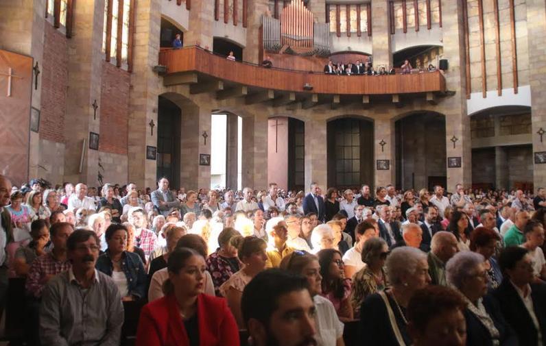 Cientos de personas acompañaron a la familia en su último adiós a Celia Barquín