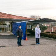 Fotografía: La alcaldesa de Polanco y concejales en una reciente visita al centro de salud para entrevistarse con su coordinadora