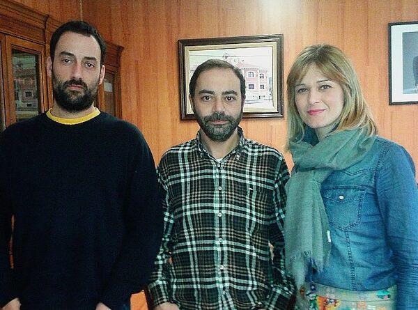 En la imagen del año 2016 aparece la alcaldesa de Piélagos Verónica Samperio junto a los concejales de ACPT Alejandro Pérez e Iván Martínez